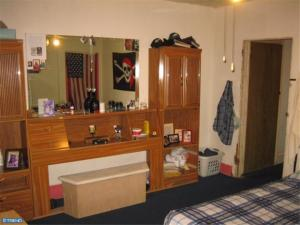 609 main bedroom 2